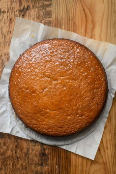 This Classic French Orange Yogurt Cake is a must to have in your baking repertoire. It has a soft, plush crumb with a golden exterior. A timeless cake. Sponge Cake Recipes, Homemade Cake Recipes, Baking Recipes, Dessert Recipes, Desserts, French Yogurt Recipe, French Yogurt Cake, Orange Yogurt, Easy Carrot Cake