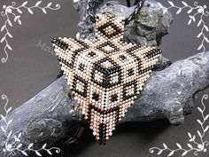 3D Kettenanhänger Dreieck geometrisches Muster  von Schönes aus Amern auf DaWanda.com