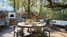 If you enjoy outdoor entertaining and cooking up a storm for your guests, then turn up the heat in your outdoor kitchen with the addition of a pizza oven. Rustic Outdoor Kitchens, Outdoor Kitchen Bars, Backyard Kitchen, Summer Kitchen, Outdoor Kitchen Design, Outdoor Spaces, Kitchen Decor, Outdoor Decor, Kitchen Ideas