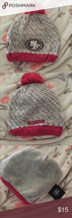 San Francisco 49ers Beanie Nwot. Fleece inside, knitted outside. Never used before New Era Accessories Hats