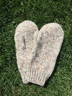 Simple Mittens and Fingerless Gloves pattern by Erin Gates