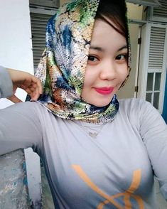 Hijab Chic, Beautiful Hijab, Mode Hijab, Sexy Women, Muslim, Mom, Instagram Posts, Fashion, Arabic Women