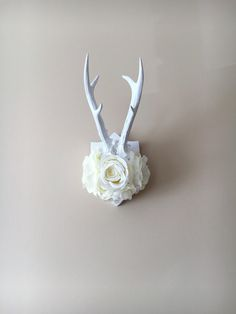 Wall antlers, deer antlers wall decor, wall decor / Flowers, Floral, Real antlers, Nursery decor, Nursery wall art, Wall Hanging, Taxidermy