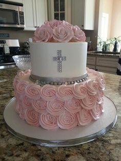 First Holy Communion Cake, get yours now from www.ie, Dublin. Girl Baptism Party, Christening Cake Girls, Baptism Cakes, Baptism Party Decorations, First Communion Decorations, First Holy Communion Cake, Religious Cakes, Confirmation Cakes, Baptisms