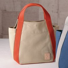 34 Ideas Diy Bag Canvas Handbags For 2019 My Bags, Purses And Bags, Diy Sac, Canvas Handbags, Canvas Bags, Simple Bags, Denim Bag, Fabric Bags, Cloth Bags