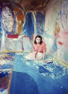 elemes:    Helen Frankenthaler (1956). Photo by Gordon Parks (via life.time.com).