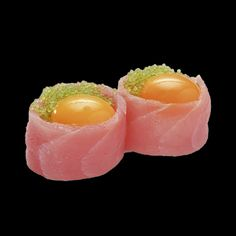 Jajo przepiórcze w tuńczyku i tobikko /Quail egg in tuna and tobikko Sushi Recipes, Asian Recipes, Dessert Recipes, Ethnic Recipes, Desserts, Quail Eggs, Edible Art, Sashimi, Adventurer