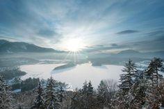 Region Villach mit Gerlitzen, Verditz, Dreiländereck und Dobratsch im Winter Hotels, Mountains, Places, Nature, Golf, Travel, Sugar, Life, Villach
