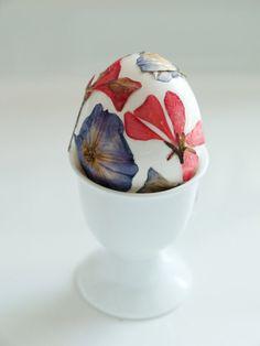 Pressed Flowers Egg Decorating