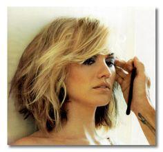 yvonne strahovski short haircut -