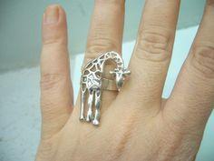 cute giraffe ring - Kruckeberg - you like giraffes, right? Giraffe Decor, Giraffe Art, Cute Giraffe, Giraffe Ring, Giraffe Jewelry, Jewelry Accessories, Fashion Accessories, Jewelry Design, Unique Jewelry