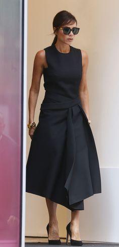 Victoria Beckham.. black Victoria Beckham Resort 2016 dress, and Manolo Blahnik BB pumps.. #manoloblahnik2016