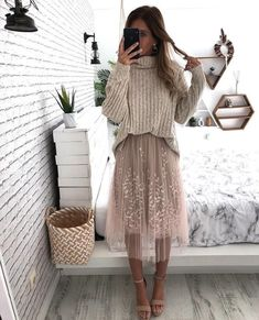 feminine Mode-Looks 1621 - Church Outfit Winter, Sunday Church Outfits, Dinner Outfits, Cute Church Outfits, Winter Ootd, Church Dresses, Casual Winter, Winter Style, Fall Winter