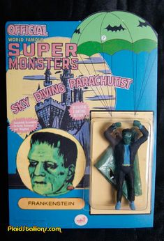 Plaid Stallions : Rambling and Reflections on pop culture: Parachuting Super Monsters! Monster Toys, Monster Art, Sci Fi Horror, Horror Art, Horror Merch, Crow Movie, The Frankenstein, Toy Packaging, Classic Horror Movies