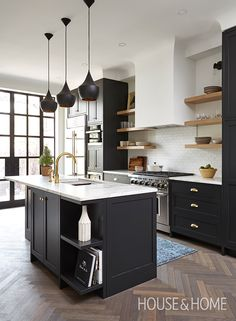 Design inspo: Beautiful black kitchens - STYLE CURATOR Designing a new kitchen and thinking of using black cabinets? We love the impact of black, it can suit a range of styles. Here are the best black kitchens Kitchen Decorating, Home Decor Kitchen, Interior Design Kitchen, Diy Kitchen, Kitchen Ideas, Kitchen Gadgets, Decorating Ideas, Kitchen Themes, Kitchen Wood