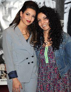 La chanteuse Tal et sa mère Sem Azar Brunettes, Gossip Girl, Bff, Daughter, Singers, People, French, Style, Fashion