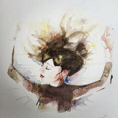Écartant les rideaux de tes bras en dentelle Je découvrais un ange Qui dormait dans le ciel Sur un drap blanc froissé comme un heureux nuage Des rayons de cheveux étalaient leur chaleur La nuit fuyait à petits pas feutrés Laissant ta bouche à la rougeur C'était l'aurore Et tu dormais encore... .... Poême @nightcall_66  Model @meslin_ou_l_autre @lapetite_chaussure Aquarelle @fuzzz_yy  #aquarelle #watercolor ##watercolorart #watercolors #portrait #poeme #poetry
