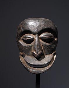 http://www.joaquinpecci.net/gallery/masks/19-hemba-mask/full