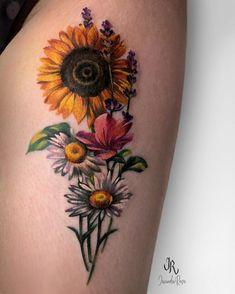Sunflower and Daisy Tattoo - Best Sunflower Tattoos: Cute Sunflower Tattoo Designs and Ideas For Women Sunflower Tattoo Simple, Sunflower Tattoo Sleeve, Sunflower Tattoo Shoulder, Sunflower Tattoos, Sunflower Tattoo Design, Sunflower Tattoo Meaning, Foot Tattoos, Body Art Tattoos, Small Tattoos