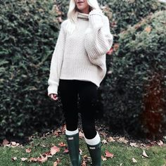 "M E L A N I E V O Y E R (@melanie_voyer) on Instagram: ""Chunky, cozy knits are my jam this season 🍁and this one is under $50 