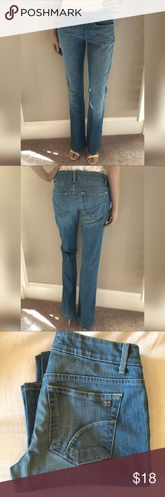 Joe's Jeans Honey ~ Spring Wash! Joe's Jeans - Honey bootcut Lighter blue wash. Size 28  Regular length (33 inches) Rise 7.5 inches These are gently used , back of hems show wear/ fraying. *reflected in price* Joe's Jeans Jeans Boot Cut