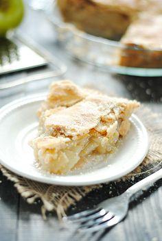 Parmesan Cheddar Apple Pie | www.somethingswanky.com