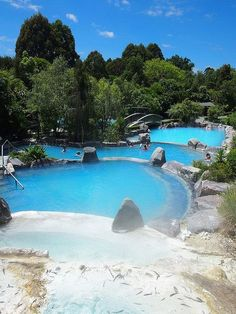 Travel guide for itinerary planning to include activities and events in Taupo New Zealand. New Zealand Beach, New Zealand Travel, Lake Taupo New Zealand, Places To Travel, Places To See, Travel Destinations, New Zealand Holidays, New Zealand Adventure, Future Travel