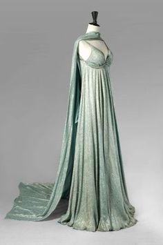 vintage evening dresses from the 1930's | Found on elogedelart.canalblog.com