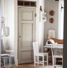 Shaker Kitchen, Kitchen Pantry, Interior And Exterior, Interior Design, Cottage Homes, Scandinavian Interior, Rustic Interiors, Home Kitchens, Sweet Home