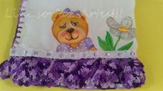 fraldinha ursinha com flor e barrado em crochê