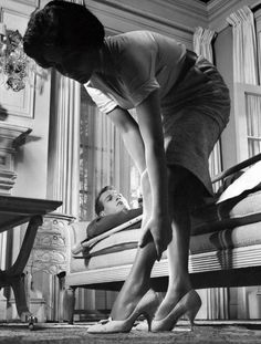 Elizabeth Taylor and Paul Newman in a production still from Cat on a Hot Tin Roof (Richard Brooks, 1958)