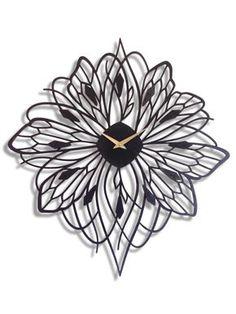 """Reloj de pared de 20 """"x 22"""" Soliflora Don Delillo, Digital Clocks, Wooden Clock, Decoration, Laser Cutting, Glass Art, Lily, Hair Accessories, Wall Decor"""