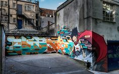 Artist: Jon5An incredible use of a small space to make a big piece come to life.