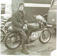 B Sheene early days Royal Enfield, Vintage Motorcycles, Road Racing, Le Mans, Motorbikes, Ali, Legends, The Past, Touch
