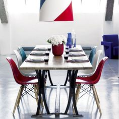 Create a striking focal point | Design ideas: decorating with Tricolore colours | Contemporary decorating idea | Colour | PHOTO GALLERY | Homes & Gardens | Housetohome