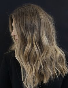 soft.BLUNT - Anh Co Tran Frontal Hairstyles, Down Hairstyles, Marcel Curling Iron, Blunt Hair, Hollywood Hair, Thing 1, Celebrity Hair Stylist, Mid Length Hair, Let Your Hair Down