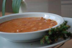 Zuppa di fagioli borlotti: un antico piatto di origine contadina sempre attuale sulle nostre tavole.