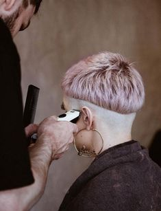 mens hairstyle awesome short hairstyle,indian women hair color body wave waves hairstyles classy,funky hairstyles dip dye hairstyles for long hair. Pixie Hairstyles, Pretty Hairstyles, Pelo Guay, Hair Inspo, Hair Inspiration, Bowl Haircuts, Natural Hair Styles, Short Hair Styles, Shaved Nape