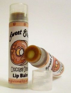 Bet youve never seen a lip balm like this! * We have developed a new twist on the same old boring lip balm nation! A layer of two flavors that when smoothed over your lips combine to give you a stimulating experience! A treat for your lips and your eyes! Lip Gloss, Gloss Labial, Eos Lip Balm, Lip Balms, Love Lips, Baby Lips, Chocolate Donuts, Cute Makeup, Lip Makeup