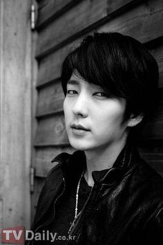 Lee Jun-ki: On army, acting, and Arang » Dramabeans Korean drama recaps