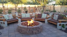 80 DIY Fire Pit Ideas and Backyard Seating Area – Page 72 of 80 – Kitchen Design Ideas & Inspiration – backyard landscaping diy Cinder Block Furniture, Cinder Block Bench, Cinder Block Fire Pit, Fire Pit Furniture, Outdoor Furniture Design, Cinder Blocks, Furniture Ideas, Cinder Block Ideas, Backyard Furniture