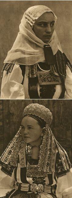Mirifica Romanie in Alb Si Negru - 1933 Folk Costume, Costumes, Little Paris, Retro Pictures, Still In Love, Bucharest, Historical Photos, First World, Beautiful People