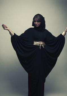 Nawal abaya Arab Fashion, Ski Fashion, Muslim Fashion, Kimono Fashion, Winter Fashion, Arabic Dress, Middle Eastern Fashion, Modesty Fashion, Islamic Clothing