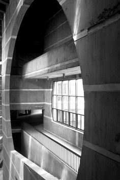 Image 8 of 11 from gallery of AD Classics: National Assembly Building of Bangladesh / Louis Kahn. Classical Architecture, School Architecture, Architecture Details, Contemporary Architecture, Interior Architecture, Landscape Architecture, Louis Kahn, Architecture Background, Design Research