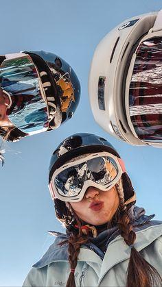 Photos Bff, Best Friend Photos, Best Friend Goals, Photo Ski, Snowboarding Style, Cute Friend Pictures, Shooting Photo, Winter Pictures, Cute Friends