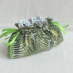 Sac pochon fourre tout/ pochette multi-usages / lingerie- tissu tropical - cadeau homme/femme - anniversaire fête des pères