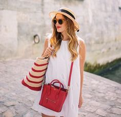 Bag style and color is awesome