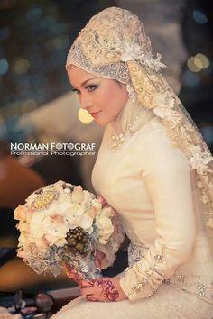 Malaysian woman on her wedding day