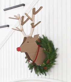 christmas diy project -- scrap cardboard instructions on how to make a reindeer head to mount on the wall for your decor. Get your wreath ready for next year Scandinavian Christmas Decorations, Diy Christmas Decorations Easy, Nordic Christmas, Holiday Crafts, Christmas Time, Christmas Wreaths, Christmas Ornaments, Christmas Ideas, Minimal Christmas