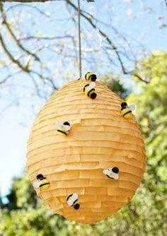 * Bijenkorf van ballon en papier!
